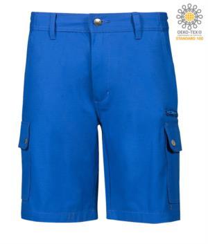 Bermuda multitasche da lavoro in ripstop, due tasconi laterali chiusi con bottoni automatici e una tasca con zip. Colore azzurro royal