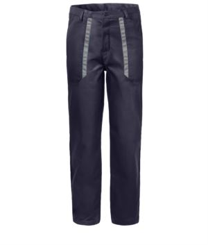Trousers with contrasting two-tone details on the pockets. Colour: blue/grey