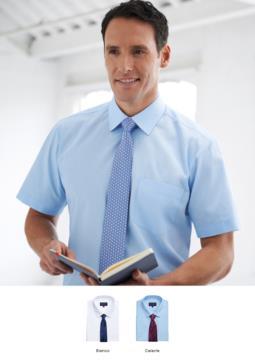 Camicia da uomo dal taglio classico, tessuto 100% cotone superfino. Taschino sul petto sinistro e polsino singolo per gemelli. Ideale per uniformi di portierato, hotel, receptionist.