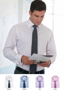 Camicia da uomo a manica lunga, modello a taglio classico. 100% cotone e tessuto easy iron.