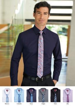 Camicia elegante da divisa, tessuto 100% in cotone con caratteristiche easy iron. Polsino singolo per gemelli.