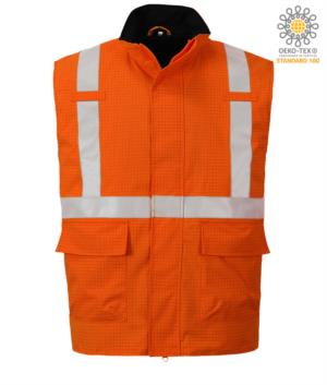 Gilet multifunzione, tessuto impermeabile, protezione chimica, antistatico, banda rinfrangente, colore arancione. Certificato CE, EN 1149-5, AS/NZS 4602. 1 N/D, UNI EN 20471: 2013, EN 13034, UNI EN ISO 14116: 2008