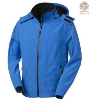 Giubbotto in softshell con cappuccio, chiusura a zip, antipioggia, profili rifrangenti anteriori, posteriori e lungo le maniche. Colore: Azzurro Royal