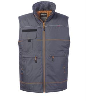 grey padded work vest. Model multi-pockets 100% multi pockets