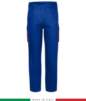 Pantalone pentavalente bicolore, multitasche, profilo colorato sulle tasche, Made in Italy, certificata EN 11611, EN 1149-5, EN 13034, CEI EN 61482-1-2:2008, EN 11612:2009, colore azzurro royal e rosso, pantalone ignifugo, pantalone antistatico, pantalone antiacido, pantalone saldatura, pantalone arco elettrico