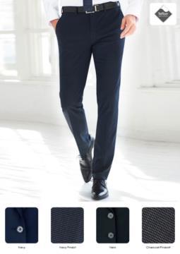 Pantalone elegante uomo modello slim fit, due tasche a filetto, tessuto in poliestere viscosa ed elastane, trattamento antimacchia. Ottieni un preventivo gratuito.