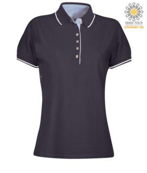 Polo da donna manica corta bicolore, interno collo e fessino in Oxford celeste, colletto e maniche con dettaglio in contrasto. Colore Blu Navy / Bianco