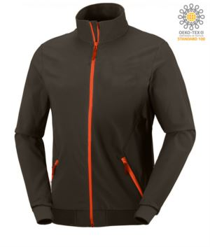 Waterproof and breathable softshell jacket with two pockets, zip closure, contrasting details. Color: grey and red