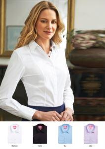 Camicia da donna poliestere e cotone con tessuto easy iron. Ideale per divisa elegante da lavoro, per receptionist, hostess, hotellerie.