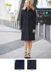 Cappotto elegante con sette bottoni e due tasche, 60% Lana, 20 % Caschemere, 20% Poliamide.